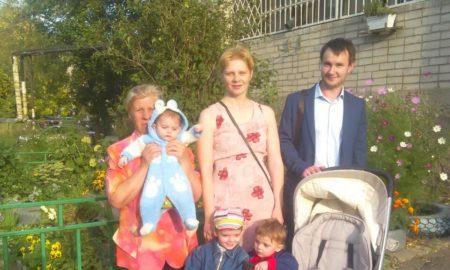 Многодетная семья и депутат Котов